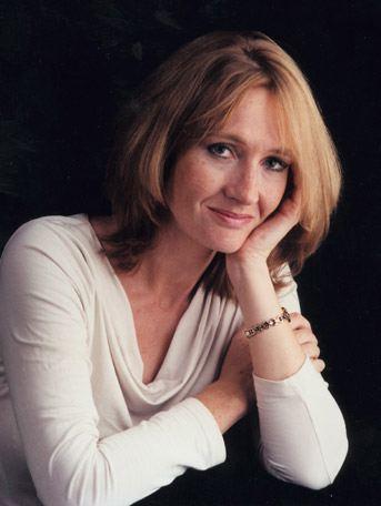 رولینگ موفق ترین نویسنده ، نویسنده ای که افراد زیادی را در دنیا کتاب خوان کرد