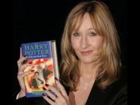 خبر انتشار ۱۲ داستان هری پاتری توسط جی.کی.رولینگ تکذیب شد