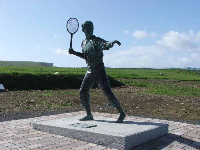 Richard_Harris_Statue_Kilkee_2007